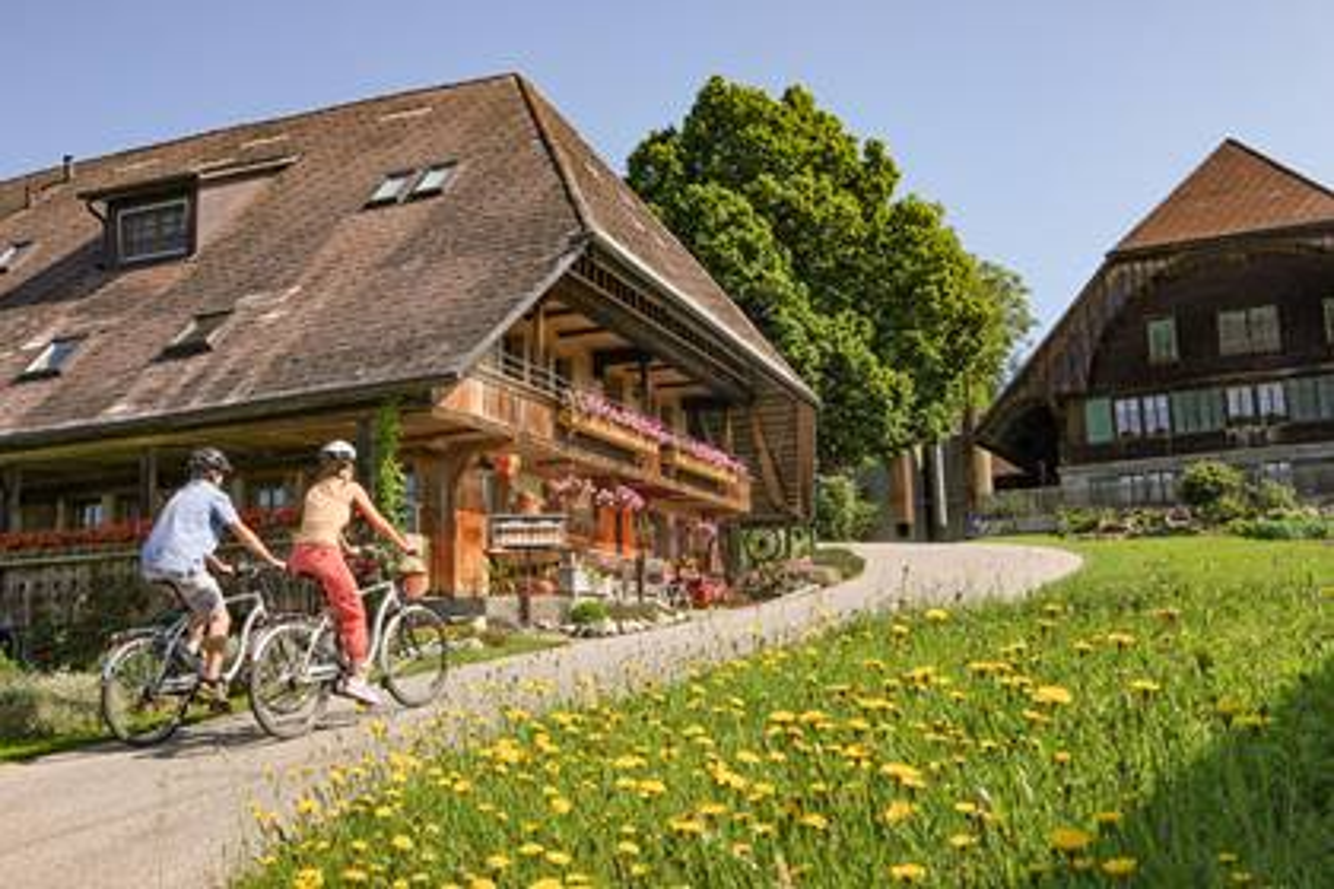 Dolce Vita auf dem E-Bike – Der Klassiker unter den Herzrouten-Etappen von Willisau nach Burgdorf führt Sie 63 Kilometer durch reizvolle Landschaften.