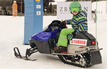 Spass im E-Snowmobile Park Lenk im Simmental