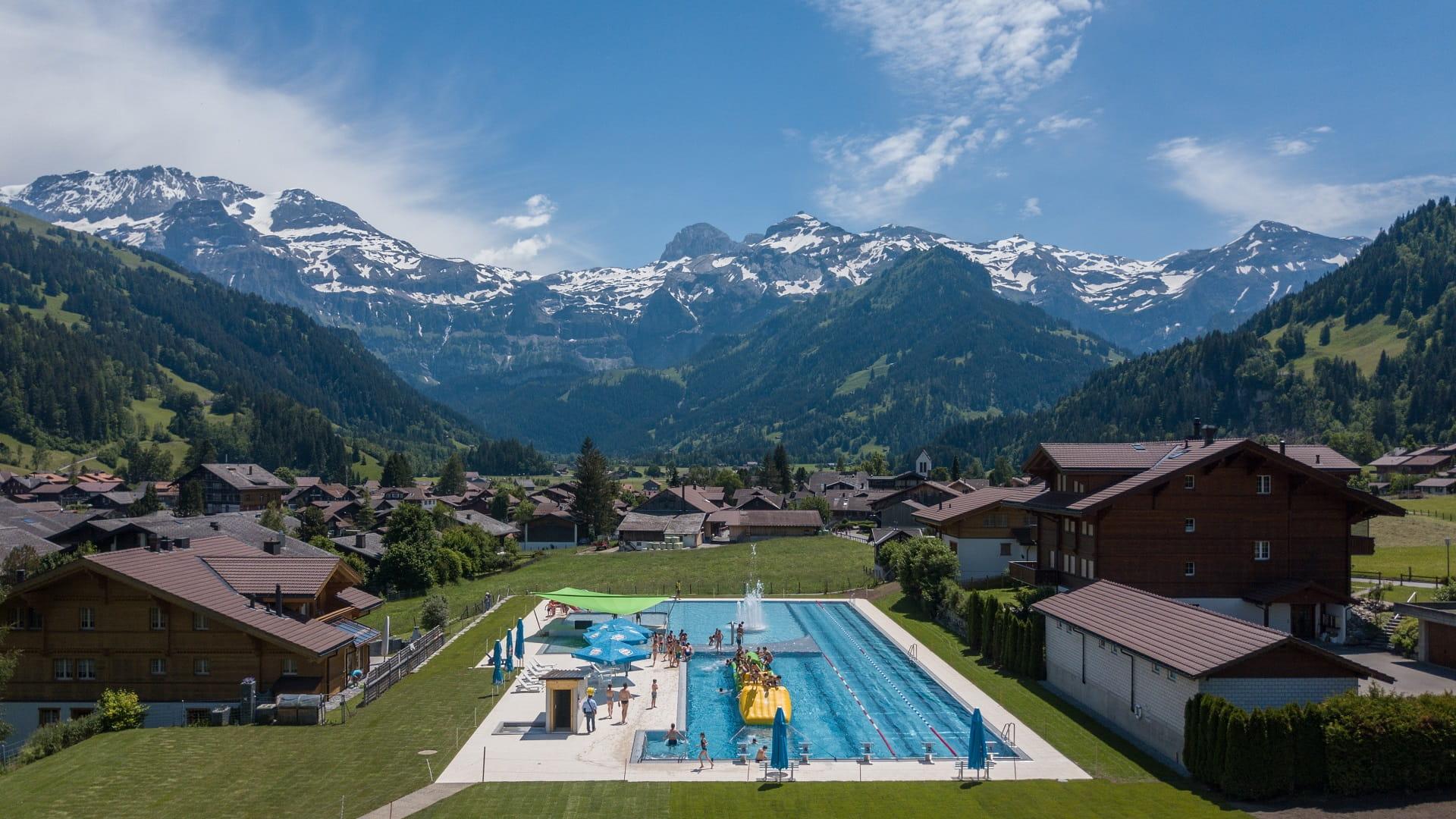 Erlebnisbad Wallbach Lenk: Aussenbecken