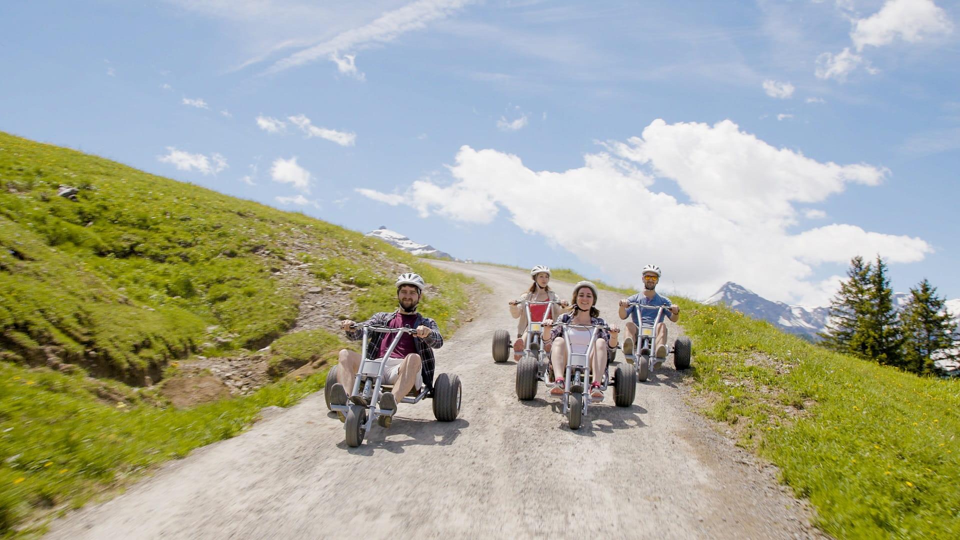 Die MountainCarts versprechen einfachen, komfortablen und sicheren Fahrspass, eigenen sich sowohl für Familien als auch für Gruppen und sind im Berner Oberland einzigartig.