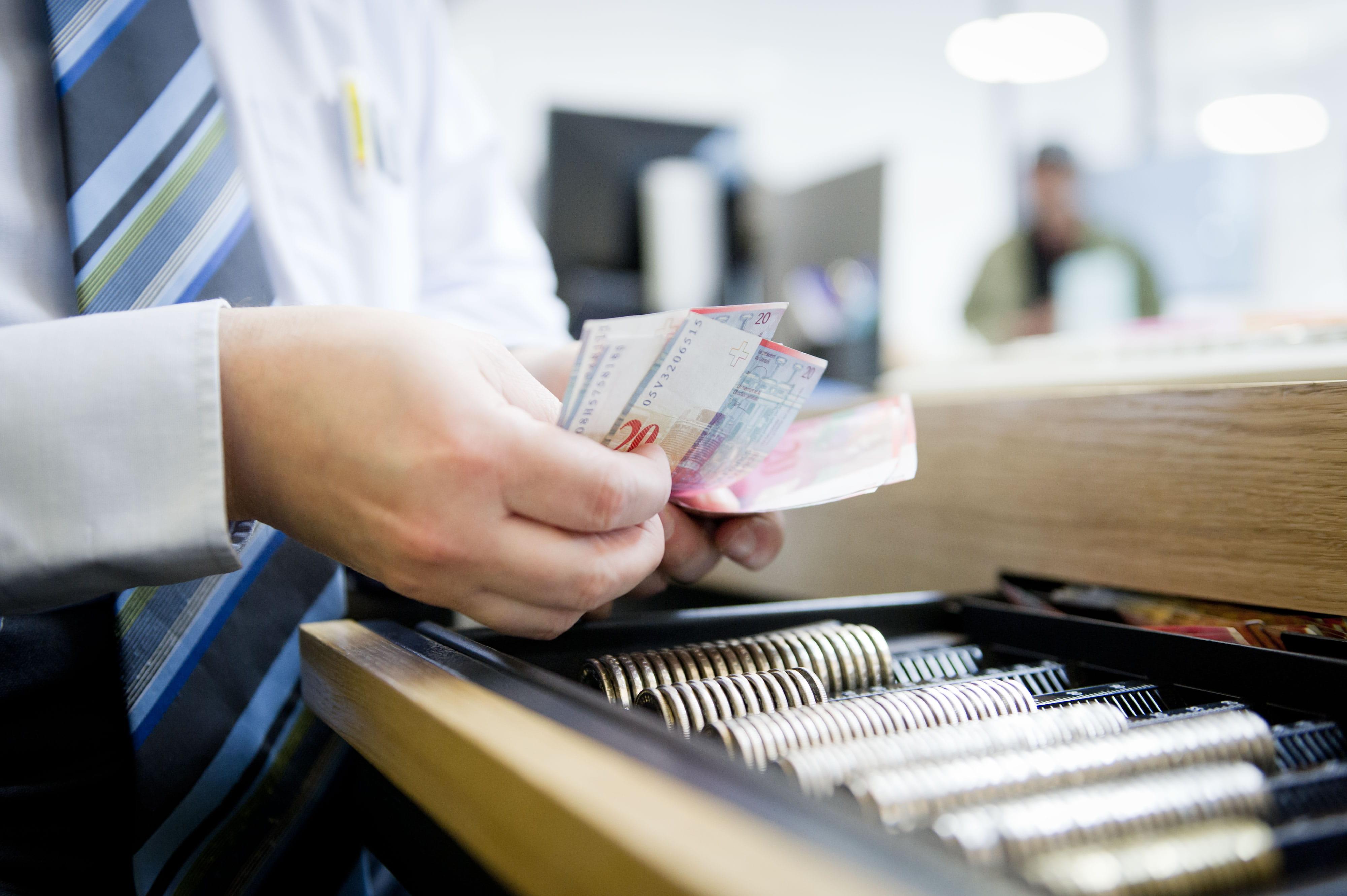 Dienstleistungen-Vor-der-Reise-Reisegeld