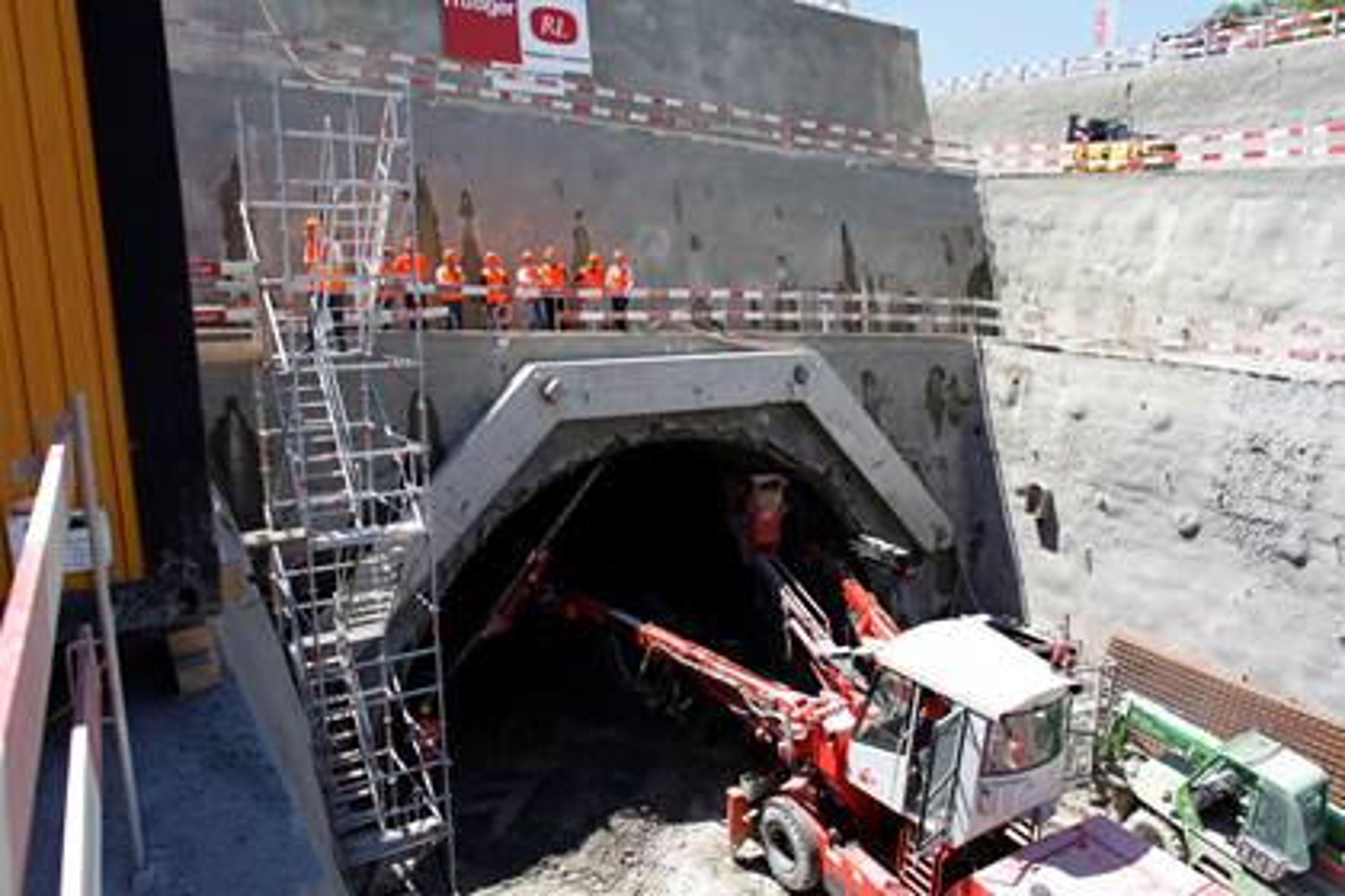 Bauprojekt Rosshäusern - Arbeiten am Westportal